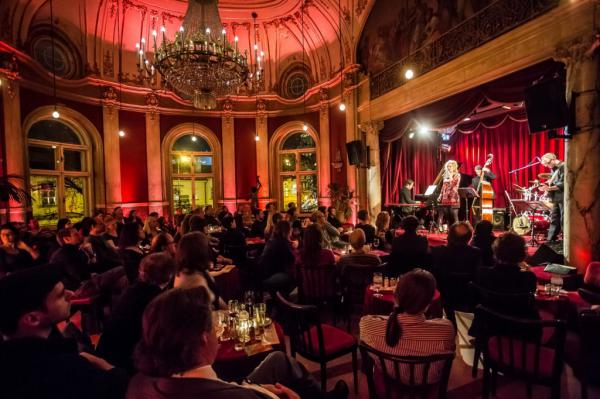 Rote Bar - Volkstheater